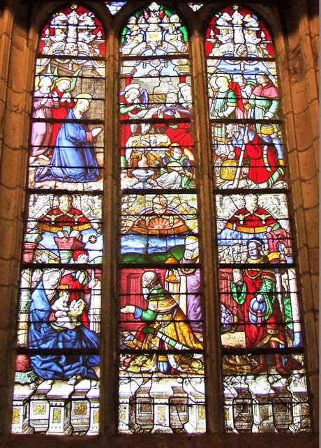 Vitrail de la Nativité à Spézet, chapelle ND du Crann