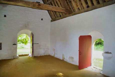 Chapelle Saint Loup en Lanvellec derniers aménagements intérieurs