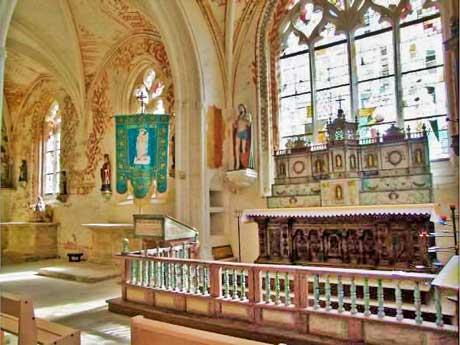 interieur de l'église de Quilinien